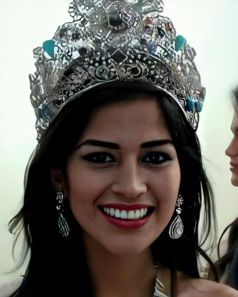 Hoa hậu Trái Đất dương tính Covid-19-2