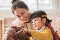 Mẹ sao nhí đóng phim của Kim Tae Hee: 'Con tôi bị chỉ trích quá nhiều'