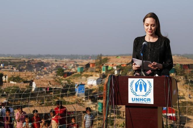 Angelina Jolie thay đổi như thế nào sau 4 năm chia tay Brad Pitt?-11