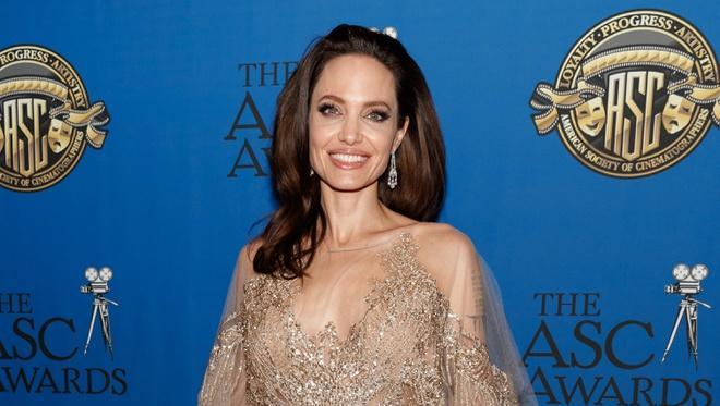 Angelina Jolie thay đổi như thế nào sau 4 năm chia tay Brad Pitt?-9