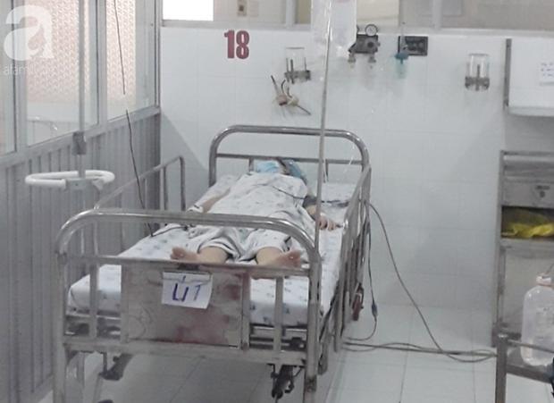 Tây Ninh: Gần 10 bác sĩ mặc đồ bảo hộ cứu nữ bệnh nhân vỡ thai ngoài tử cung khi đang cách ly tập trung-1