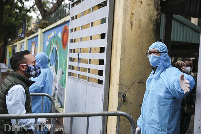 Test nhanh tại Hà Nội, phát hiện 3 ca nghi nhiễm Covid-19 ngày 2/4-3