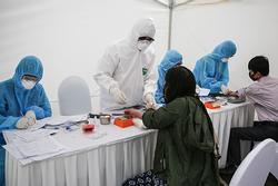 Test nhanh tại Hà Nội, phát hiện 3 ca nghi nhiễm Covid-19 ngày 2/4