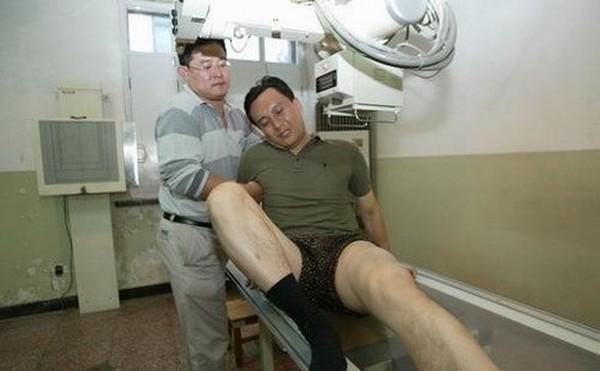 Nam thần TVB một thời lừng lẫy: đánh gãy chân bạn diễn, sở hữu khối tài sản hàng triệu USD-4