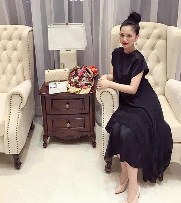 Hotgirl Sài Gòn sinh 2 con vẫn đẹp như gái 18, anh trai Bảo Thy mê mẩn đòi đẻ thêm-5
