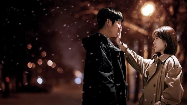 Vì sao các minh tinh Hàn Quốc thường đóng cặp cùng trai trẻ?-4