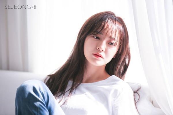 Tiểu Kim Taeyeon solo trong ê chề: Lượng album bán ra còn thua cả sản phẩm đã ra mắt 1 năm của Twice, Black Pink-7