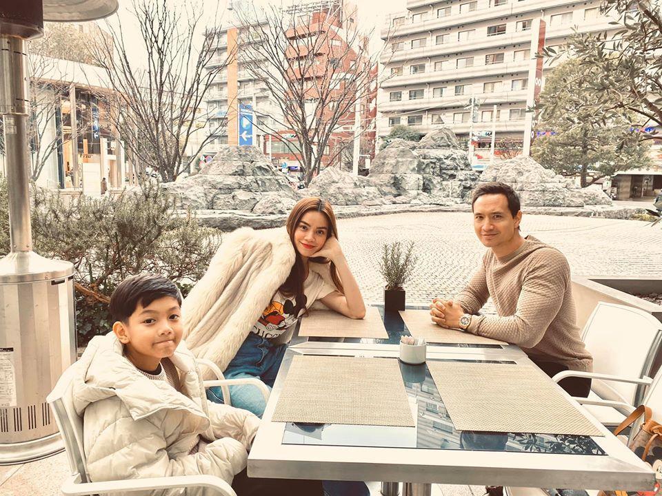 Hồ Ngọc Hà khoe khoảnh khắc cực tình cảm của Kim Lý và Subeo, nhìn chẳng khác nào cha con-3