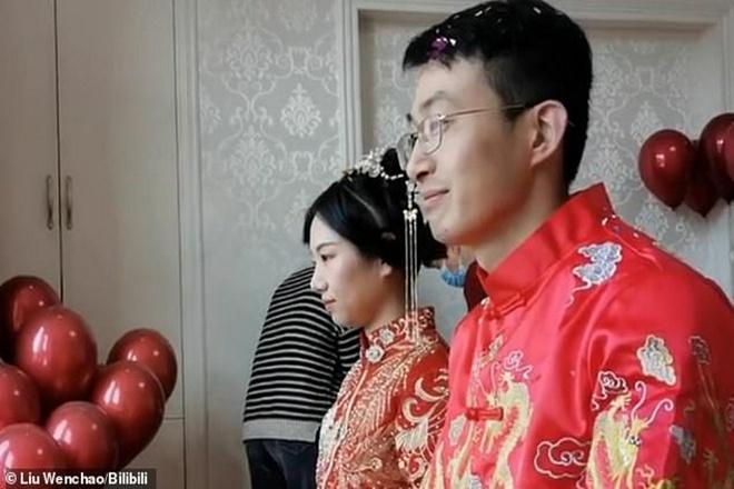 Hôn lễ online mùa dịch bất ngờ nổi tiếng với hơn 3 triệu lượt xem-1