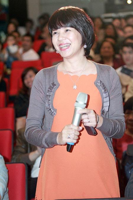 Diễm Quỳnh khoe ảnh thời trẻ bên MC Anh Tuấn-10
