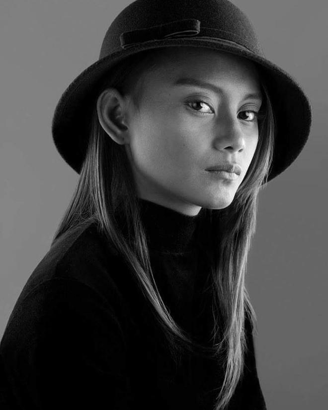 'Cô bé ăn xin' nổi tiếng 4 năm trước đổi đời nhờ làm người mẫu-3