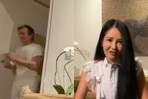 Hồng Nhung livestream ở nhà vô tình lộ mặt bạn trai ngoại quốc