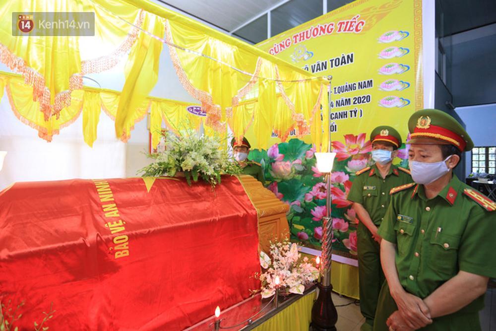 Nghẹn lòng lễ tang của 2 chiến sỹ công an hi sinh trong lúc truy bắt nhóm đua xe cướp giật: Đồng đội ơi!-6