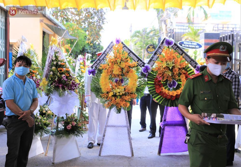 Nghẹn lòng lễ tang của 2 chiến sỹ công an hi sinh trong lúc truy bắt nhóm đua xe cướp giật: Đồng đội ơi!-7