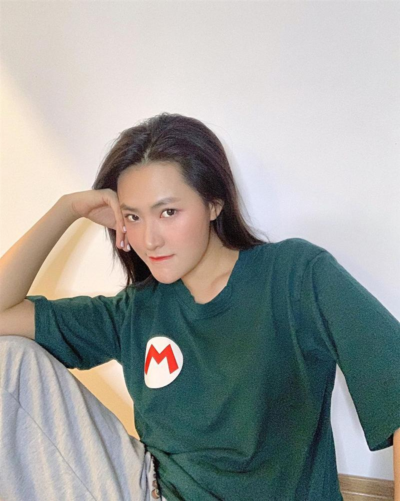 An Nguy tái xuất hack tuổi với áo hoodie - Decao giảm 7 kg sau chia tay Châu Bùi-5