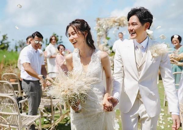 Nhờ TVB làm ông Tơ bà Nguyệt mà 5 cặp đôi này đã nên duyên vợ chồng-6