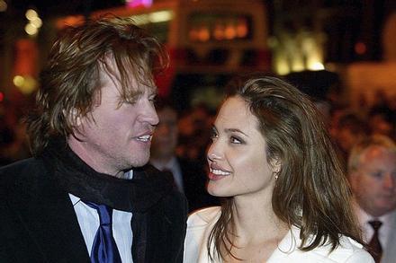Bạn trai cũ Angelina Jolie cô đơn suốt gần 20 năm