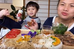 Tình trạng sức khỏe mới nhất của con trai Quỳnh Trần JP sau cơn sốt co giật
