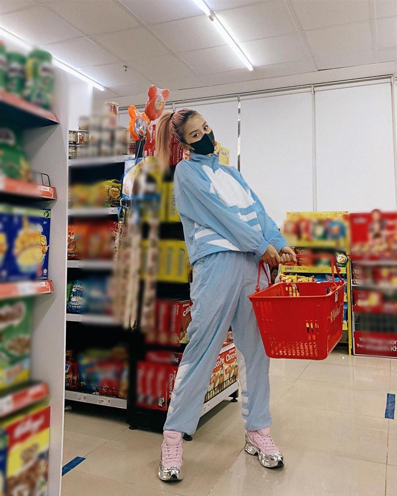 An Nguy tái xuất hack tuổi với áo hoodie - Decao giảm 7 kg sau chia tay Châu Bùi-7