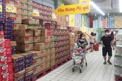 Chợ, siêu thị TP.HCM vắng khách ngày thứ 3 cách ly xã hội
