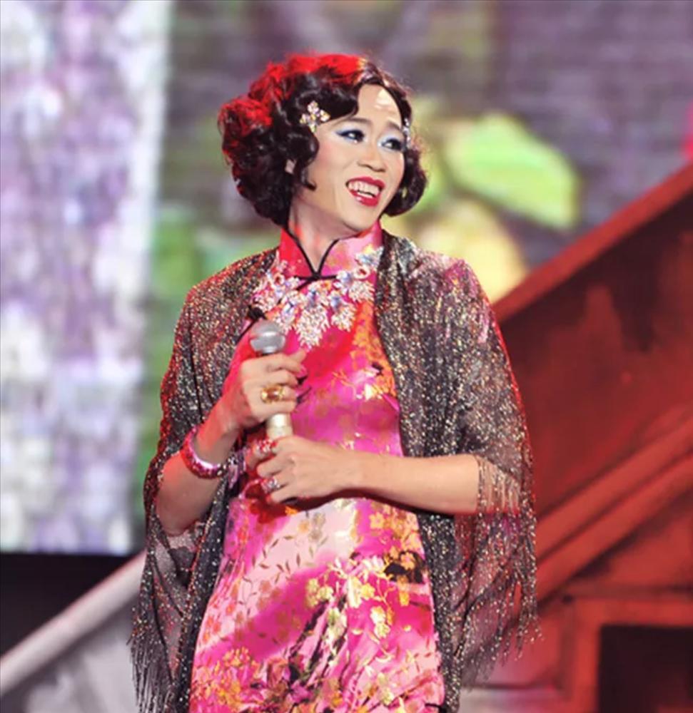 Danh hài Hoài Linh tiết lộ vợ cũ không thích trang điểm, phấn son-1