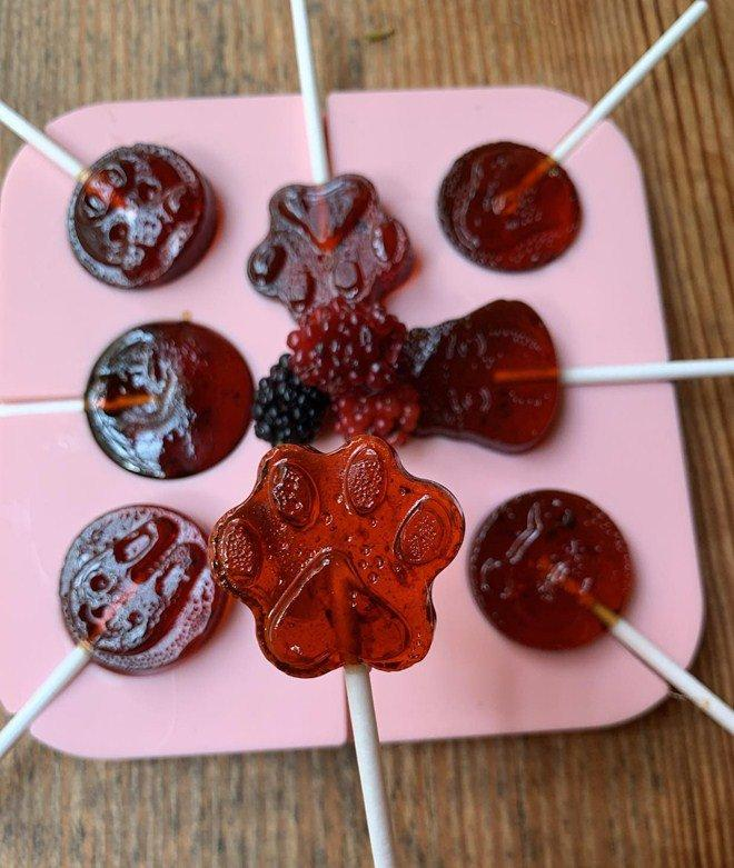 Chồng không thích cho con ăn kẹo, Phan Như Thảo vẫn tự làm kẹo mút thơm ngon cho con gái-8