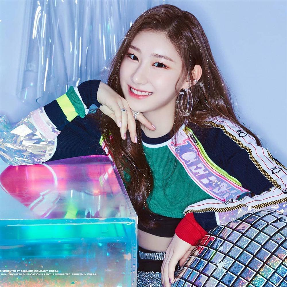 Nữ thần tượng Kpop bị chính fan của nhóm ghét bỏ chỉ vì ngoại hình kém sắc-7