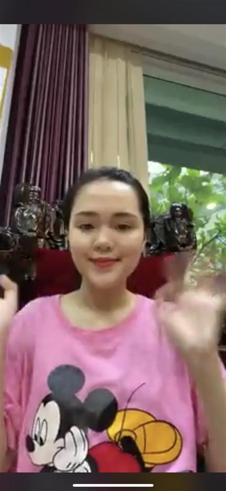 Từ ngày lấy Duy Mạnh làm chồng, Quỳnh Anh hiếm khi khoe hàng hiệu xa xỉ như xưa-5