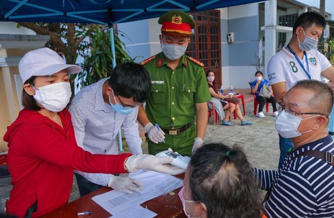 Cách ly 14 ngày toàn bộ người từ Hà Nội, TP.HCM đến Đà Nẵng-1