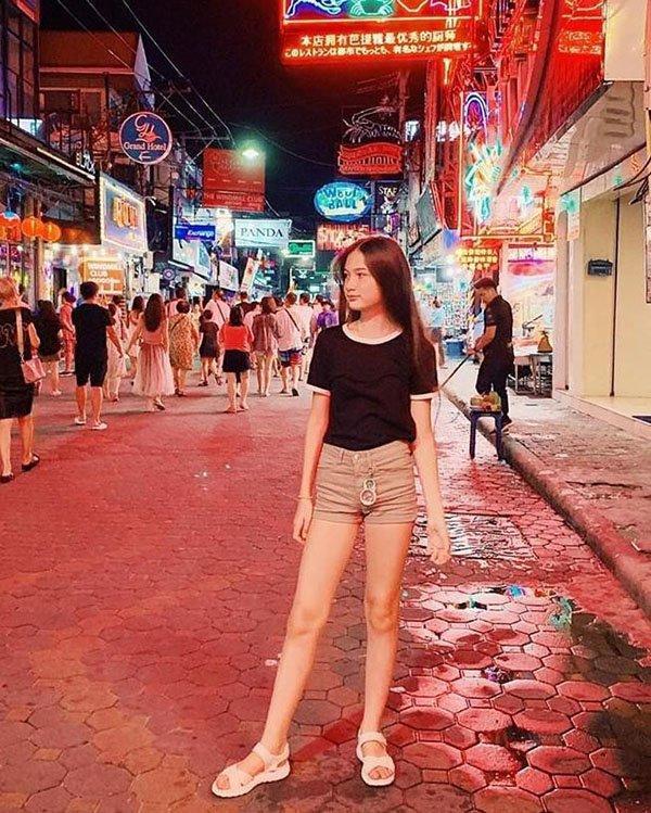 Em gái thủ môn Đặng Văn Lâm khoe nhan sắc chuẩn mỹ nhân tương lai ở tuổi 13-2