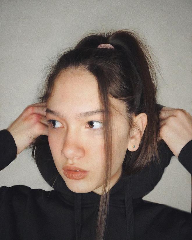 Em gái thủ môn Đặng Văn Lâm khoe nhan sắc chuẩn mỹ nhân tương lai ở tuổi 13-4