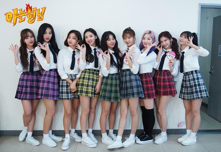 Style nữ sinh khác biệt của Twice, Red Velvet và BlackPink-1