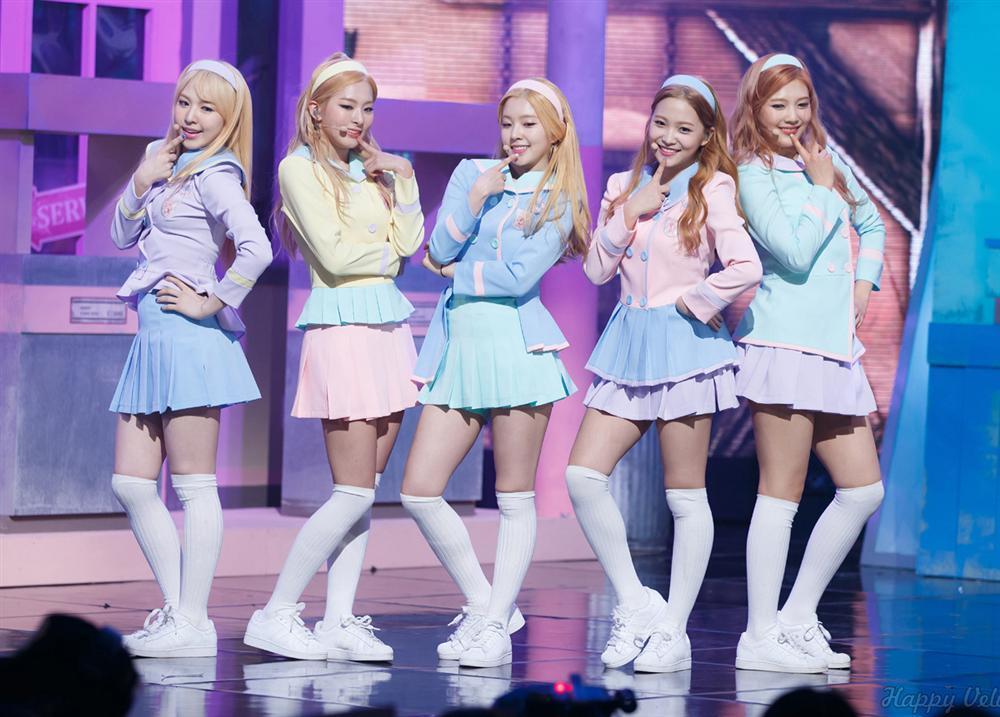 Style nữ sinh khác biệt của Twice, Red Velvet và BlackPink-5