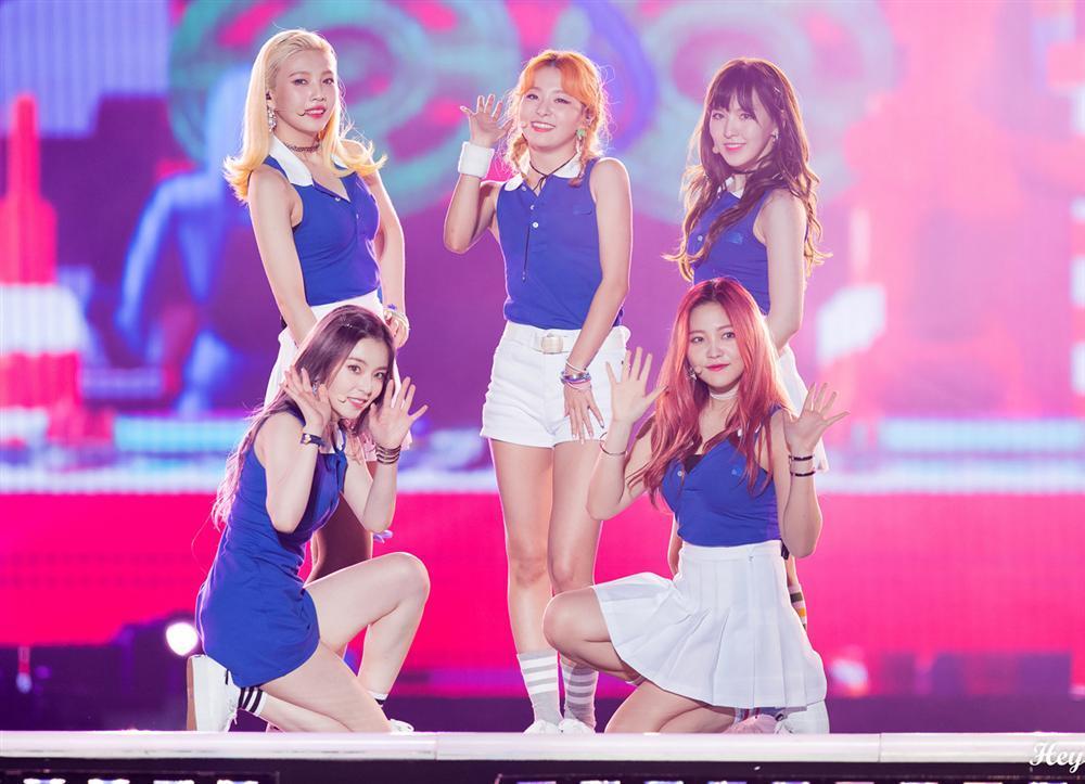Style nữ sinh khác biệt của Twice, Red Velvet và BlackPink-6