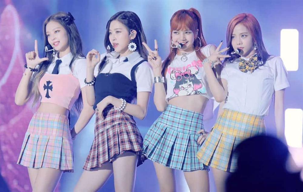 Style nữ sinh khác biệt của Twice, Red Velvet và BlackPink-11