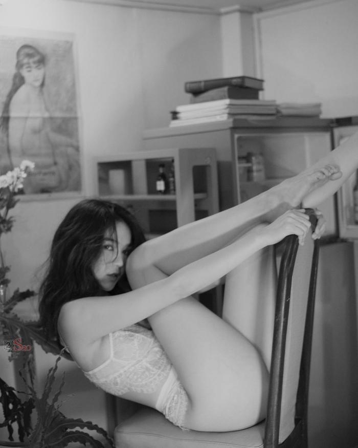 Ngọc Trinh bị tung những bức ảnh ngực trần, tạo dáng phản cảm chưa từng công bố-5