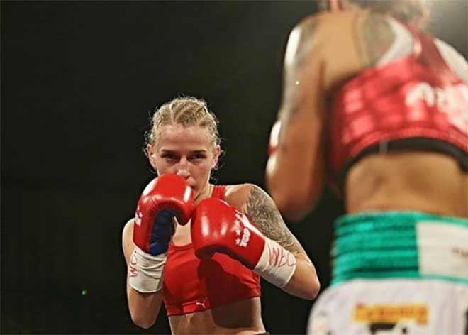 Người đẹp vô địch boxing thế giới dương tính với Covid-19-1