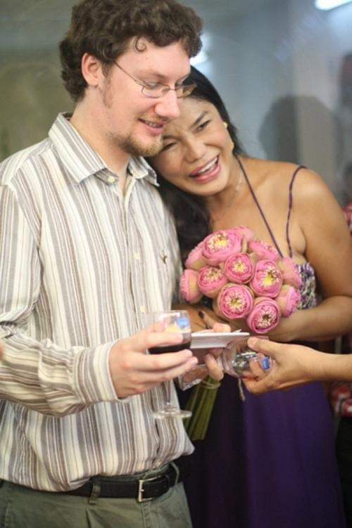 Cindy Thái Tài vẫn nặng tình với chồng quá cố-1