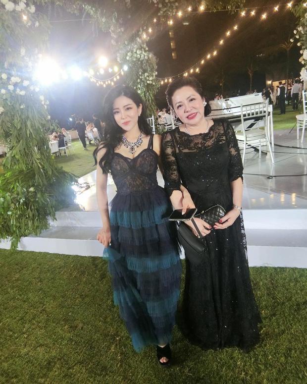 Nhan sắc nổi bật như em gái Ông Cao Thắng cũng phải lép vế khi đứng cạnh mẹ-4