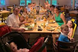 Gia đình đông con nhất nước Anh chào đón thành viên thứ 22