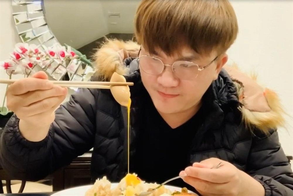 Chồng chăm con, Lê Phương đảm đang trổ tài làm món trứng lòng đào nước tương bất bại-8