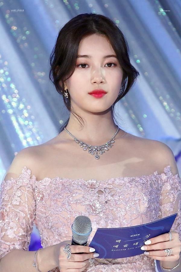 8 visual Kpop được ví Nữ thần sắc đẹp Freya tái sinh-3