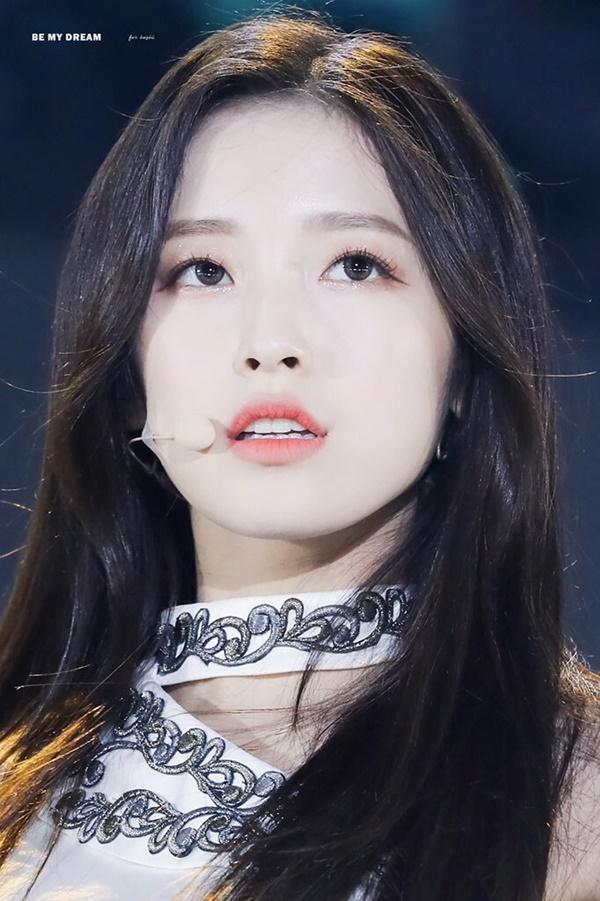 8 visual Kpop được ví Nữ thần sắc đẹp Freya tái sinh-8