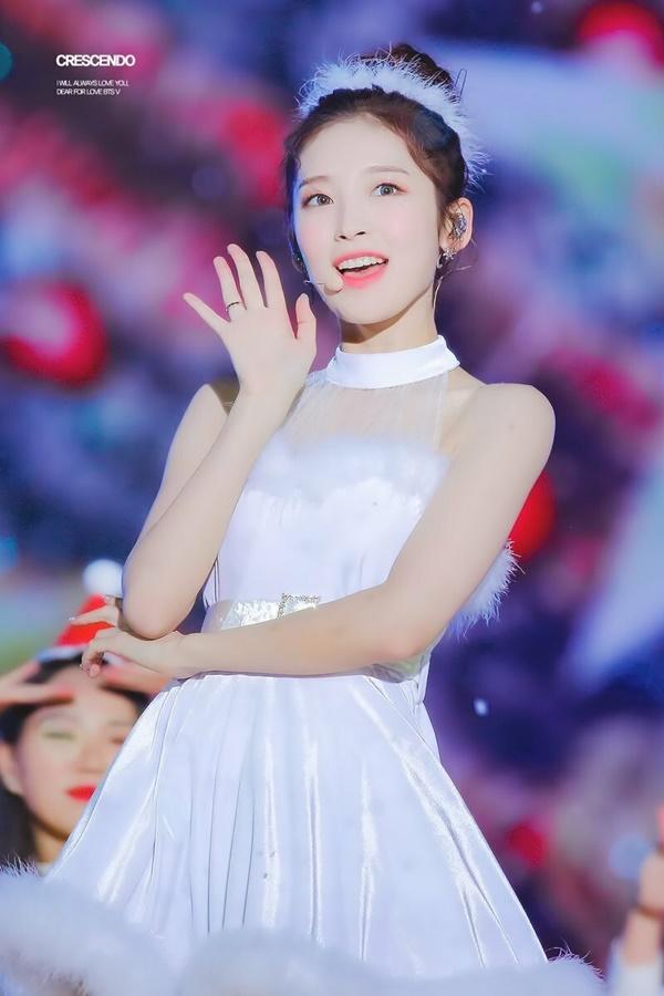 8 visual Kpop được ví Nữ thần sắc đẹp Freya tái sinh-9