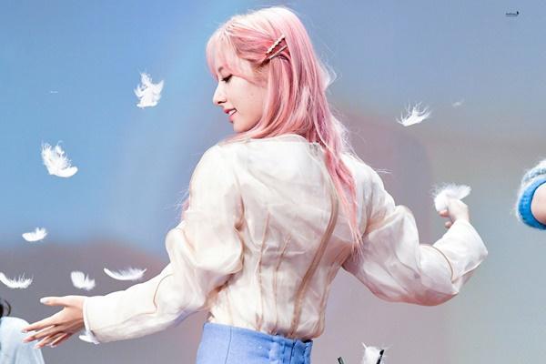 8 visual Kpop được ví Nữ thần sắc đẹp Freya tái sinh-15