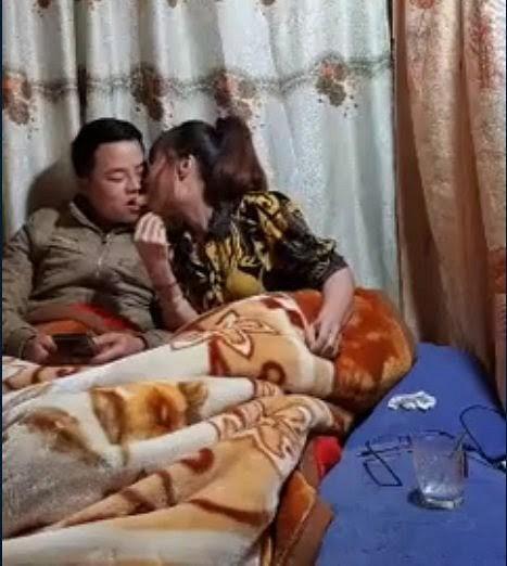 VZN News: Cô dâu 63 tuổi ở Cao Bằng dậy sóng MXH với màn dùng miệng đút đồ ăn cho chồng trẻ-2
