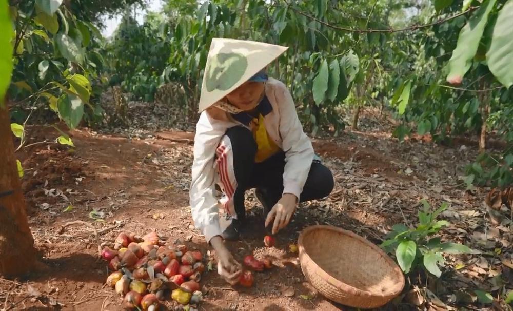 Khán giả quốc tế nói về cuộc sống của HHen Niê tại quê hương Đắk Lắk-3