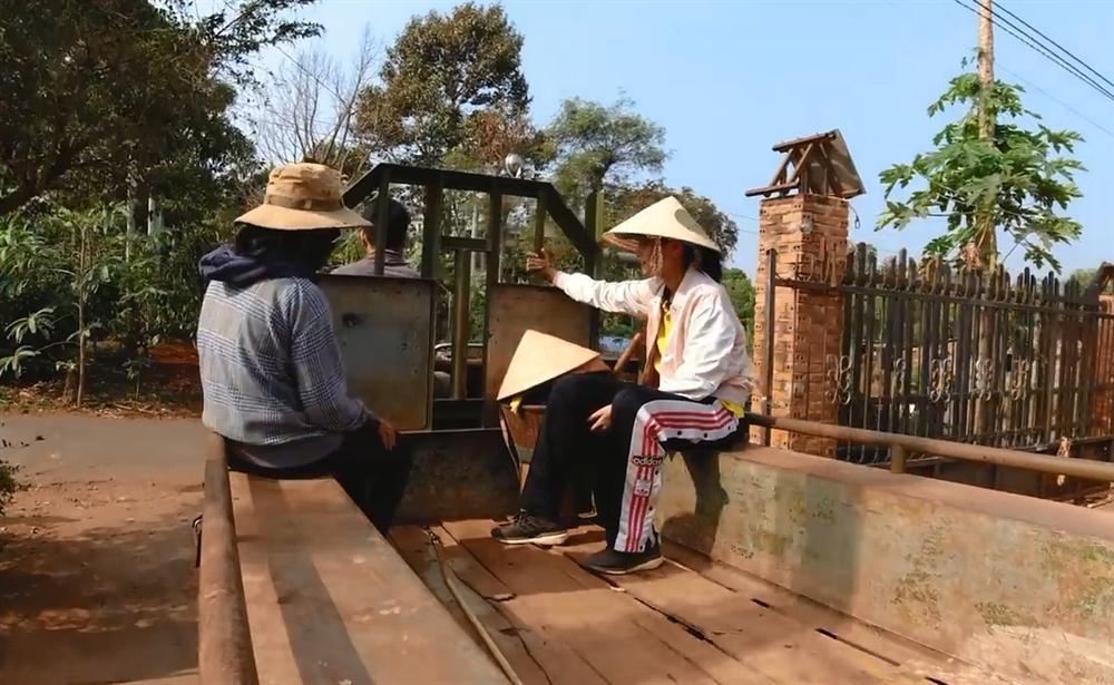 Khán giả quốc tế nói về cuộc sống của HHen Niê tại quê hương Đắk Lắk-1