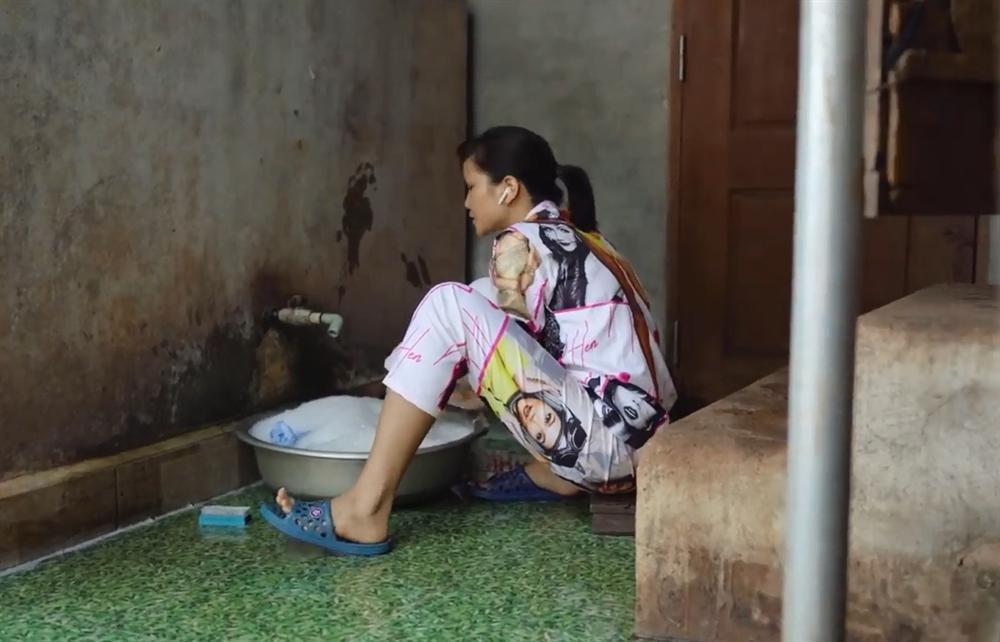 Khán giả quốc tế nói về cuộc sống của HHen Niê tại quê hương Đắk Lắk-9
