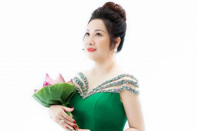 Khám nhà nữ đại gia Thái Bình từng chi trăm triệu mời sao hát kỷ niệm ngày cưới-2